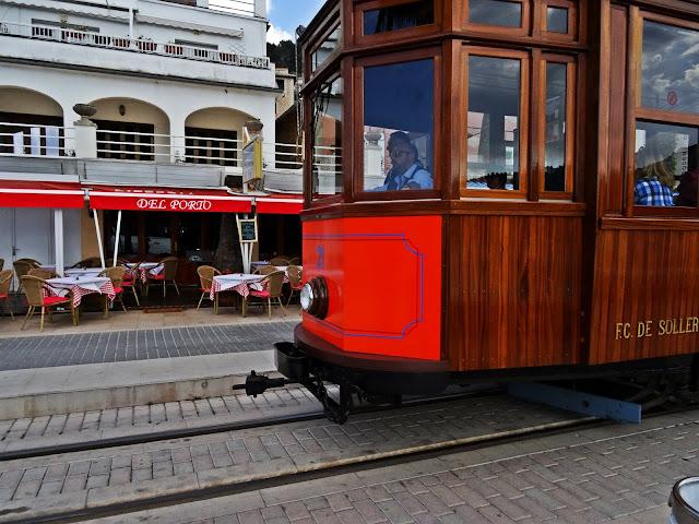 czerwony tramwaj Majorka, jak dojechać?