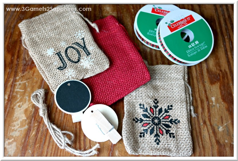 DIY Advent Calendar Countdown to Christmas Chalkboard Ornaments Craft Tutorial  |  www.3Garnets2Sapphires.com