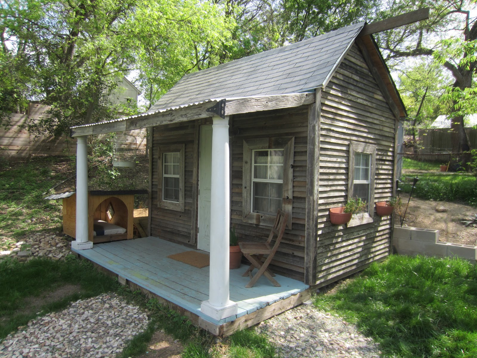 Relaxshacks.com: Jennifer Francis' tiny house/cabin (for ...