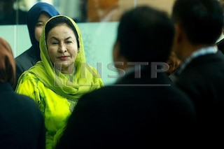 Rosmah ditahan SPRM, didakwa esok