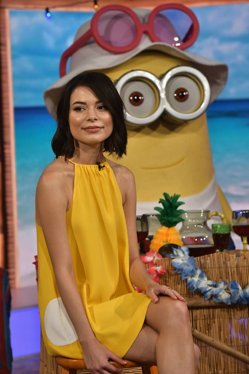 Despicable Me 3 Interview 2 with Miranda Cosgrove - YouTube