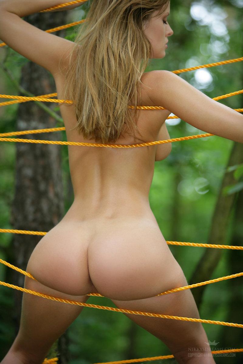 Semi Nude Beautiful 38