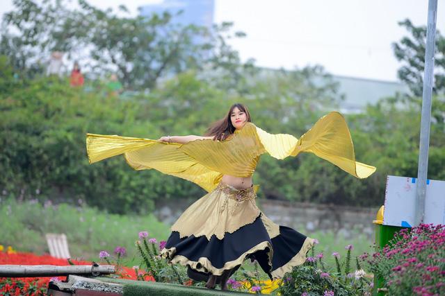 Bellydancer Le Giang Van Anh