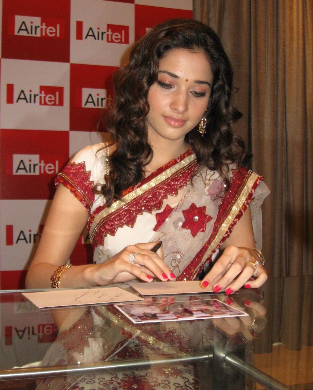Tamanna In Saree In Rebel: Actress Tamanna Photos: Tamanna Saree Photos