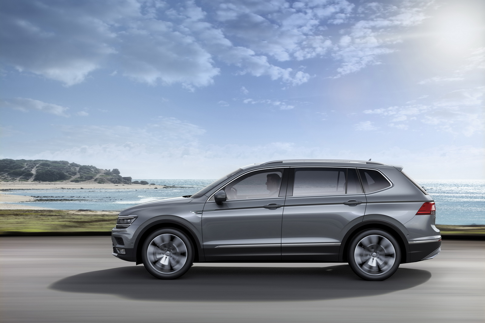 europe 39 s new vw tiguan allspace with 7 seats detailed ahead of geneva carscoops. Black Bedroom Furniture Sets. Home Design Ideas