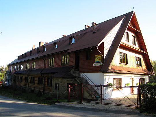 Domu Wczasów Dziecięcych (dawna strażnica Grenzschutzu w czasie II wojny światowej) w Sidzinie.