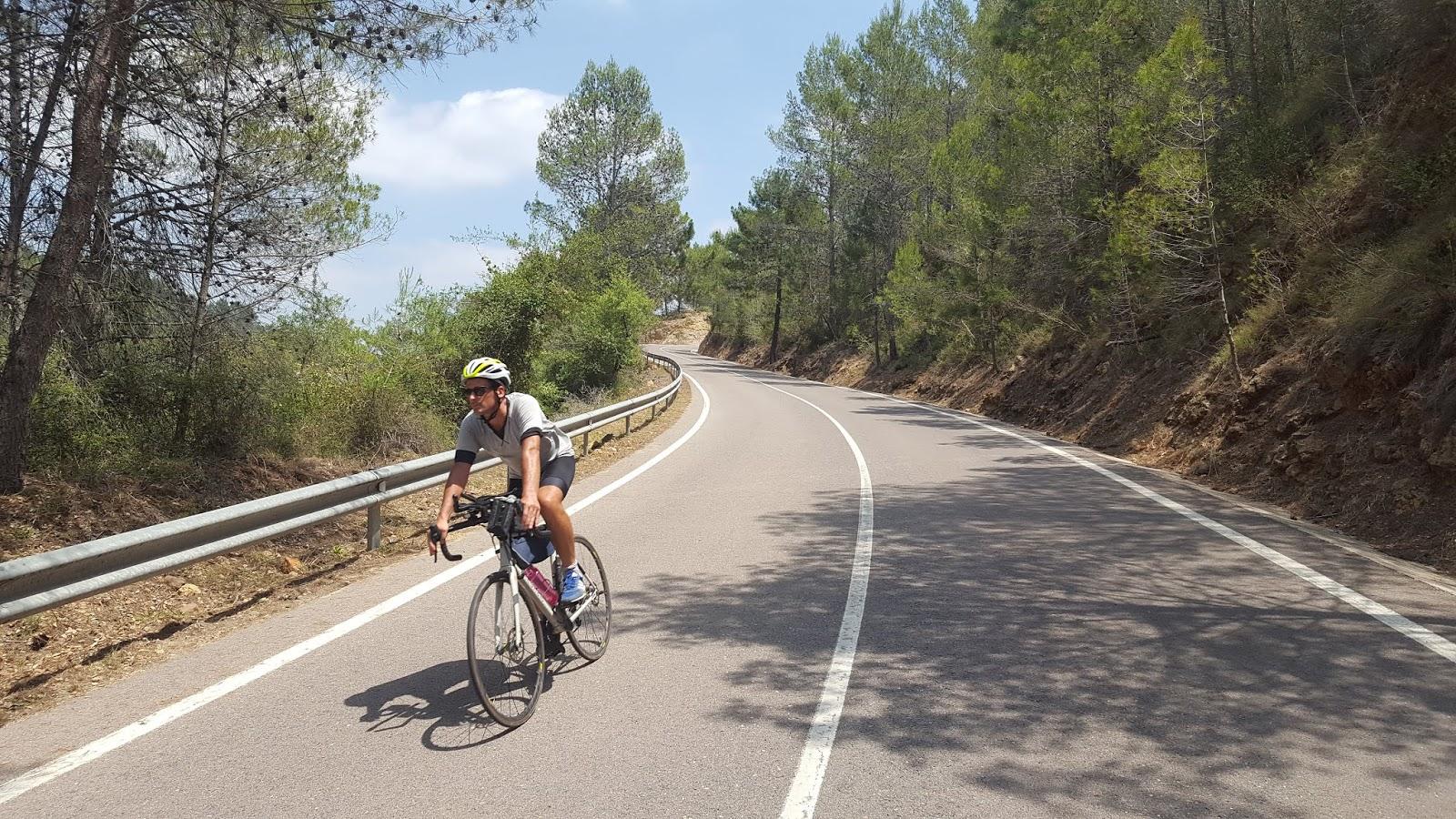 Cycling in Valencia - Alcudia de Veo, Castellón, Spain