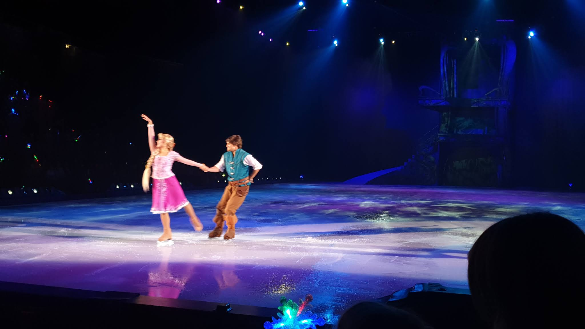 rapunzel and flynn disney on ice