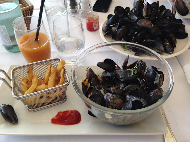 Saint-Tropez moules frites au café de paris
