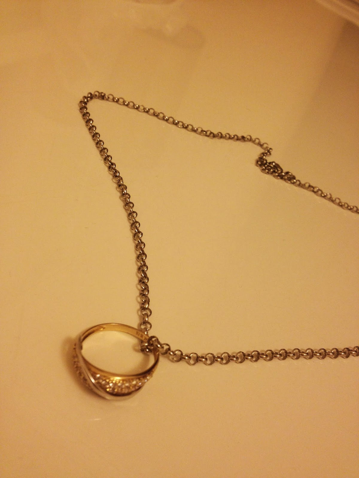 アゼルバイジャン人からの婚約指輪