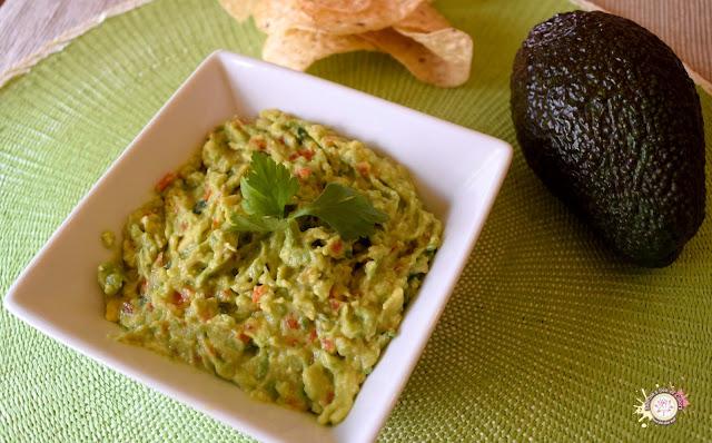 Guacamole. Receta tradicional mexicana