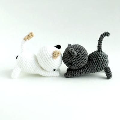 Gatitos jugetones amigurumi tejidos en crochet