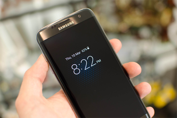 إليك أفضل تطبيق إلى حدود الساعة للحصول على ميزة Always On بجهازك الأندرويد كما في هواتف Galaxy S7 !