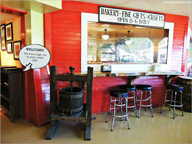 Pastelería de la Fábrica Cold Hollow Cider Mill en Vermont