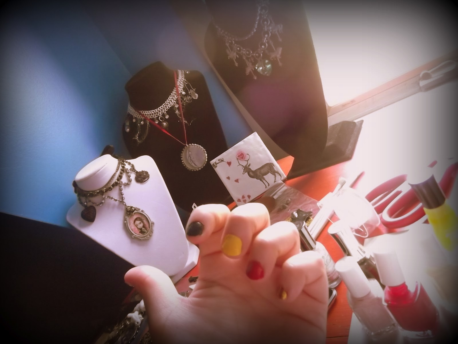 Avabunny retro nail art you can do yourself at home - Nail designs do it yourself at home ...