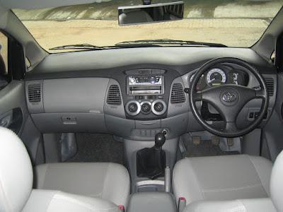 Kelebihan dan Kekurangan Toyota Kijang Innova Bensin / Diesel