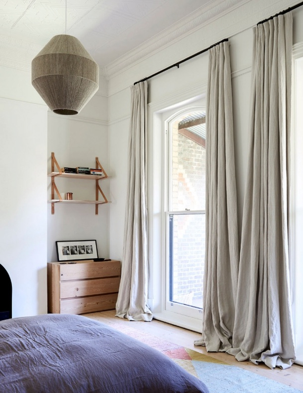 Una casa estilo victoriano con un interior vintage