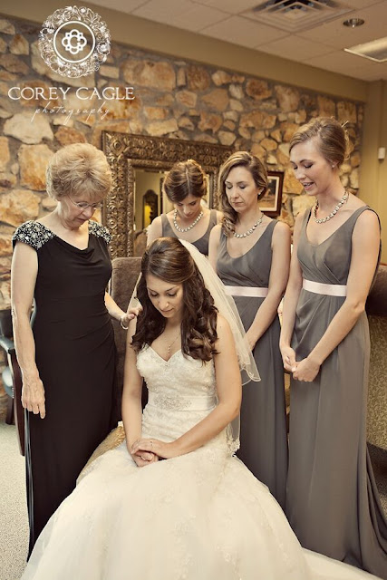 mother's prayer at a wedding | Corey Cagle Photography