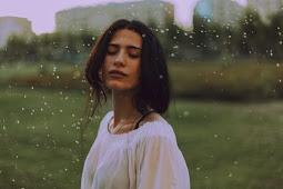 Sinopsis Novel Terbaru: Tidur Bersama Hujan