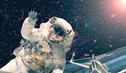 «Είμαστε μια  ανάσα από την ανακάλυψη ζωής εκτός του πλανήτη μας», Στη δήλωση αυτή, που έχει προκαλέσει σάλο,  προχώρησε ο  συνέντευξή του σ...