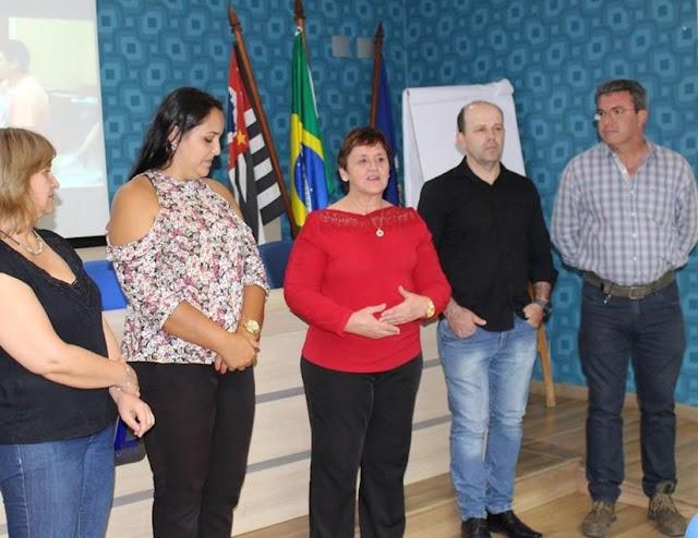 31 alunos do projeto 'Time do Emprego' recebem certificado