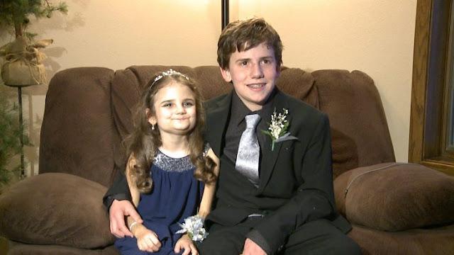 Invita a su hermana con cáncer al baile de graduación