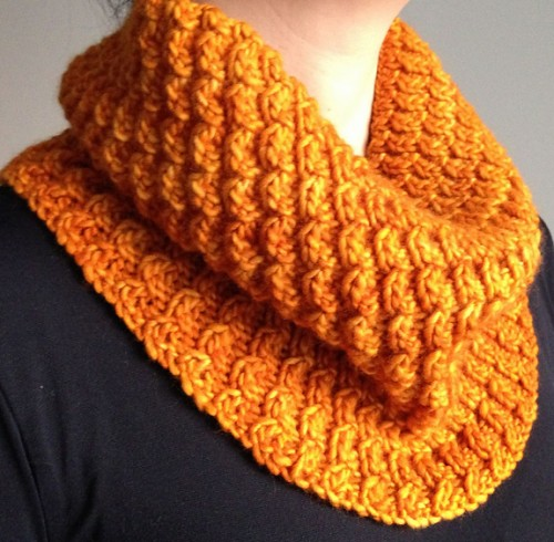 Clairiere Cowl - Free Pattern