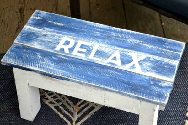 build, pallet, furniture, Foot Stool www.homeroad.net