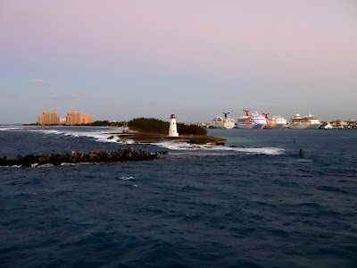 Cruise ships in Nassau and Atlantis