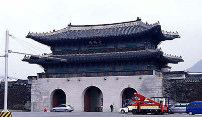building that remain from early Yi dynasty