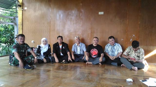 Guru yang DIlaporkan Polisi di Subang Dapat Perlindungan dari TNI dan Rakyat