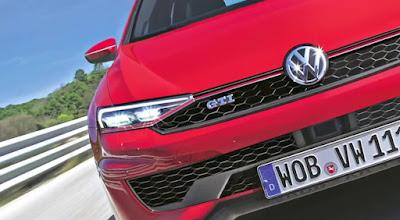 New 2017 Volkswagen Golf Eighth-Gen front headlight Hd Pictures