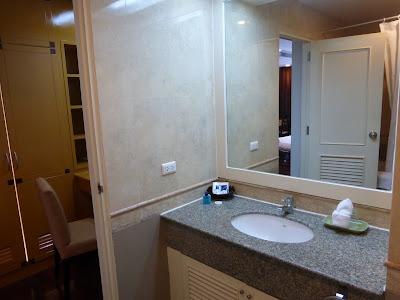 Baño Hotel Admiral Suites, Bangkok, Tailandia, La vuelta al mundo de Asun y Ricardo, vuelta al mundo, round the world, mundoporlibre.com