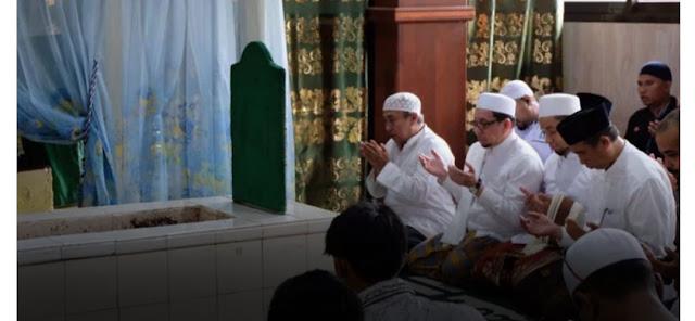 Majelis Syuro PKS Ziarah Makam Wali dan Tahlilan, Warga NU Diminta Hati-hati Manuver Politik PKS