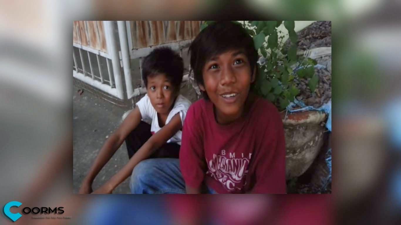 Video of Chris the Balut Vendor singing amazing voice