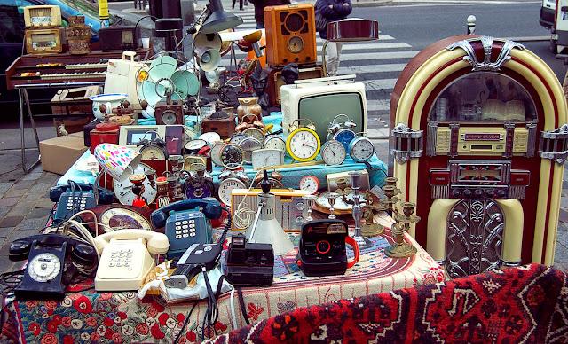 exposición de productos en un mercadillo