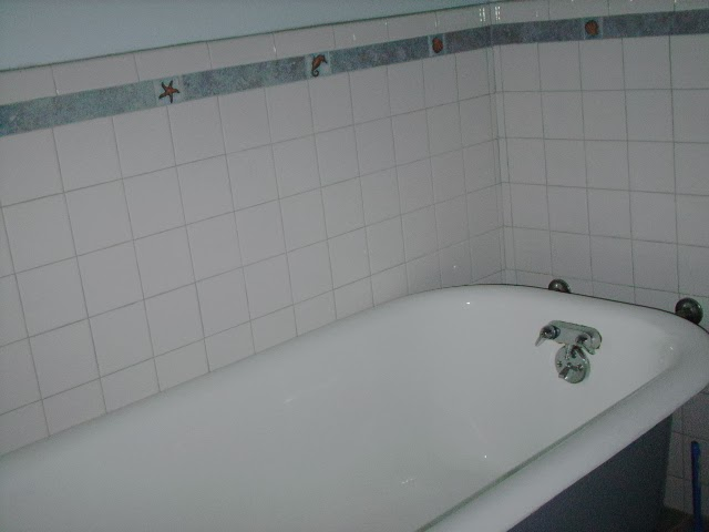 Ceramic Tile Bathroom Bathtub