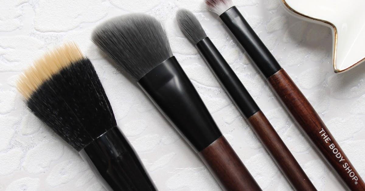 The Body Shop Makeup Brushes   Hannah Heartss