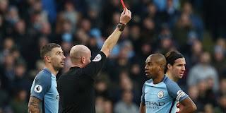 Manchester City: Fernandinho Disanksi Larangan Bertanding Empat Laga