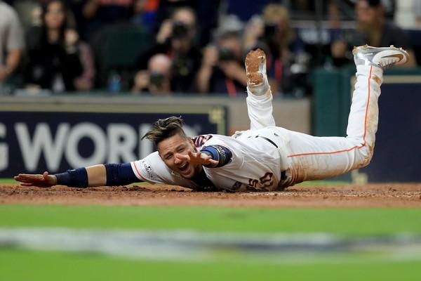 Los Astros contuvieron a los Yankees por dos juegos en fila tras perder tres encuentros seguidos en el Bronx.