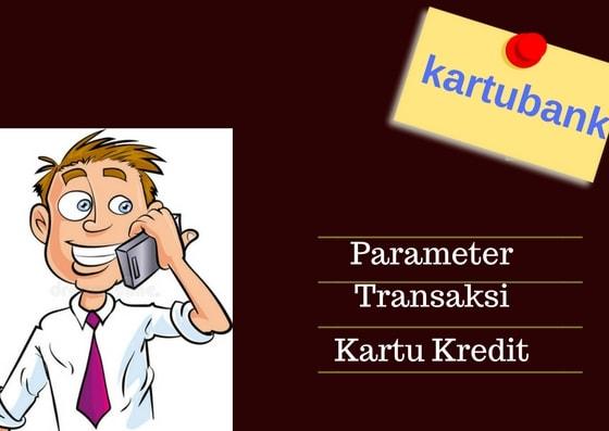 Ilustrasi seorang pria menelepon bank untuk buka blokir parameter transaksi kartu kredit