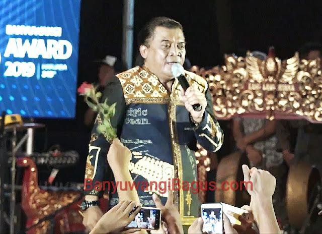 Didi Kempot tampil di Taman Blambangan Banyuwangi 18 Desember 2019 dalam rangka peringatan Hari Jadi Banyuwangi ke 248.