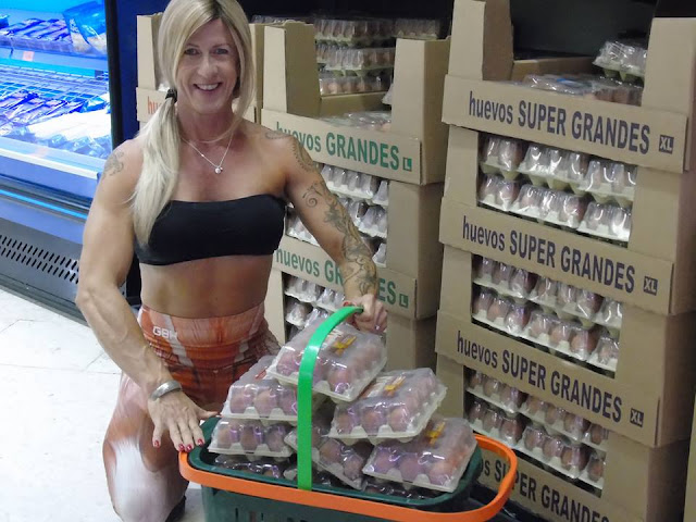 Woman downs dozens of egg whites daily to pile on muscles