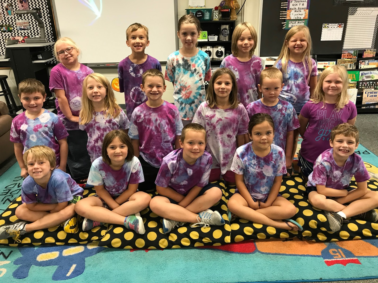 Mrs Bell S 2nd Grade Blog Tie Dye Tuesday