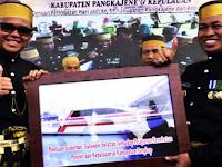 Ambulance Laut Canggih Kado Istimewa Warga Pulau Terluar di HUT Pangkep Ke-59