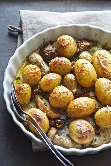 patate novelle con funghi porcini al forno