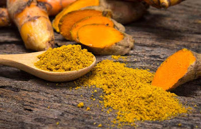use-turmeric-for-anit-aging-healing-and-exfoliate-blackheads
