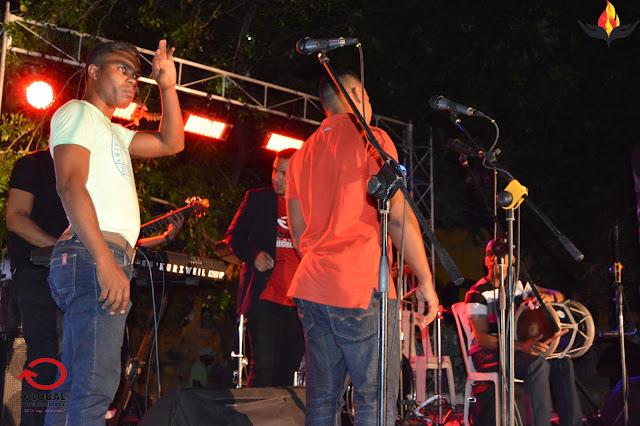 banda,adoradores,músicos,tambora