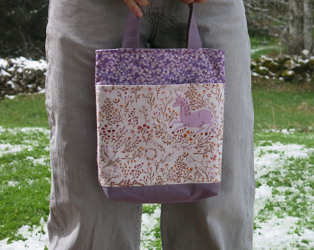 Mini tote bag in purple - Tutorial by SOTAK Handmade - Unicorn fabric from Far far away collection by Heather Ross