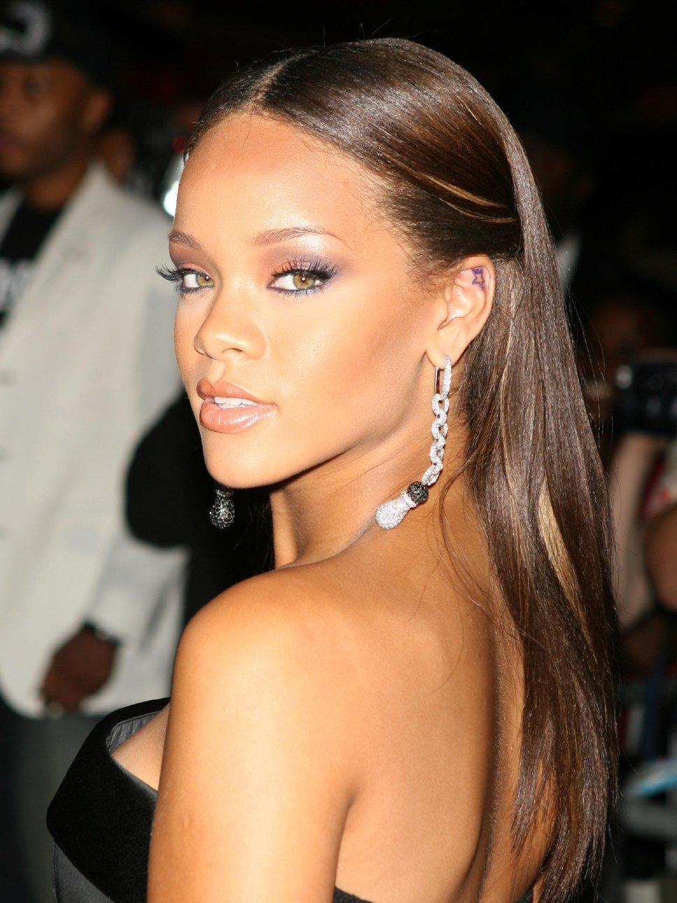 Rihanna s fitta galleri for